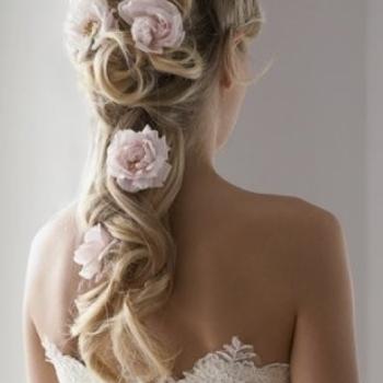 Sukienka - gotowa! makijaż - dobrany! - co z fryzurą?  - Apetyczni